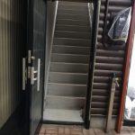 2.3階への共用階段入口